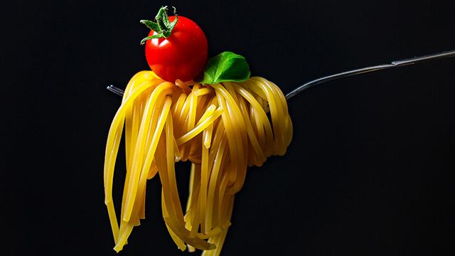 Какие плюсы средиземноморской диеты и почему стоит выбирать макароны твердых сортов