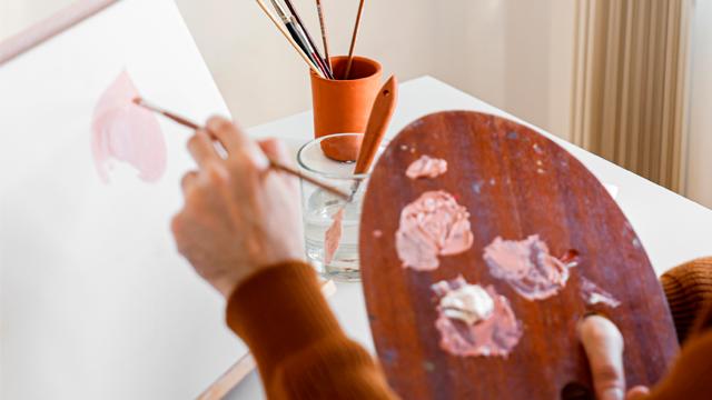 Вчила Пікассо ліпити вареники та змінила українське мистецтво: якою була Олександра Екстер