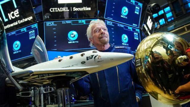 Британський мільярдер Річард Бренсон здійснив туристичний політ у космос