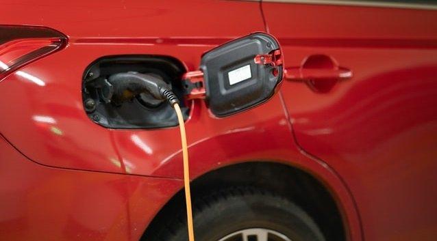 Горять, як сірники: General Motors масово відкликає електрокари Chevrolet Bolt
