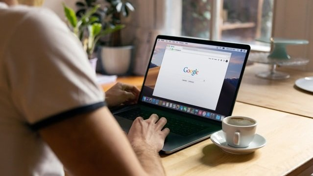 Google дозволила співробітникам працювати віддалено до 2022 року