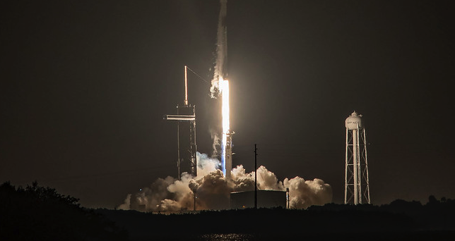 SpaceX вперше відправляє в космос цивільний екіпаж – трансляція Inspiration4