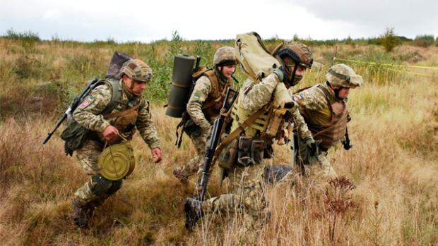 День захисників і захисниць України: привітання в картинках